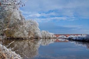 Bild: Alte Mainbrücke im Winter